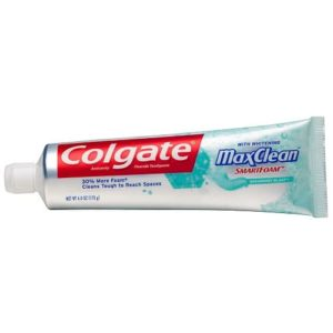 Colgate Max Clean with Whitening Foaming Spearmint Blast